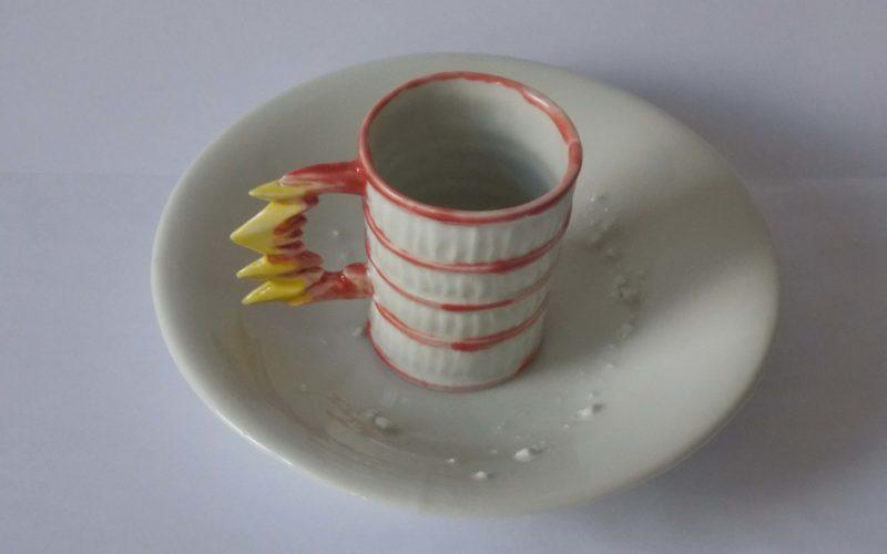 Dresden, tasse et soucoupe, de la série Exodus Fabrication manuelle par le dutch design er Bas van Zuijlen