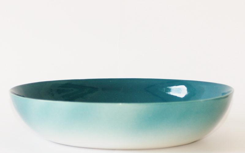Océan 8 p est le plus grand plat de four de cette série composé autour du thème de l'océan. Il contient assez pour 8 a 10 personnes