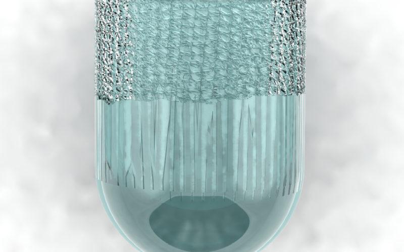 vase en cristal ciselé et colorée bleu clair à l'intérieur (c) Bas van Zuijlen