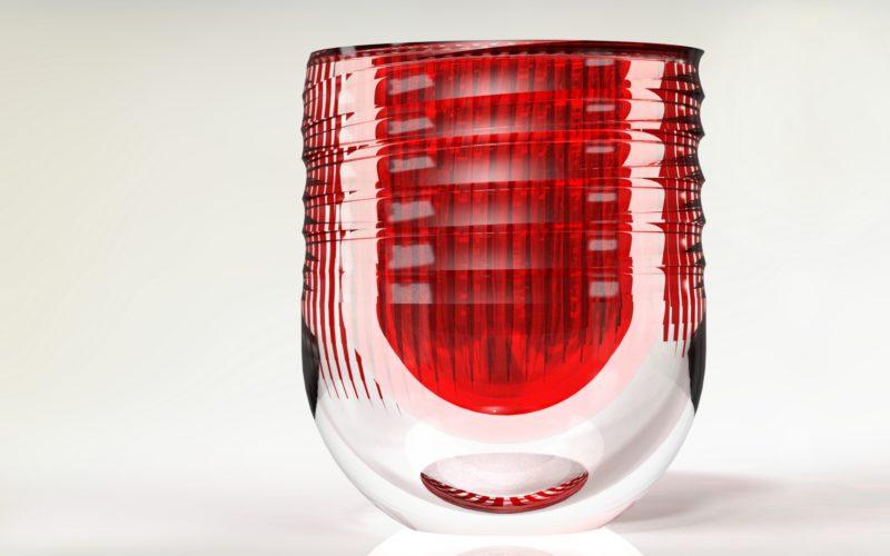 vase rouge en cristal ciselé (c) Bas van Zuijlen