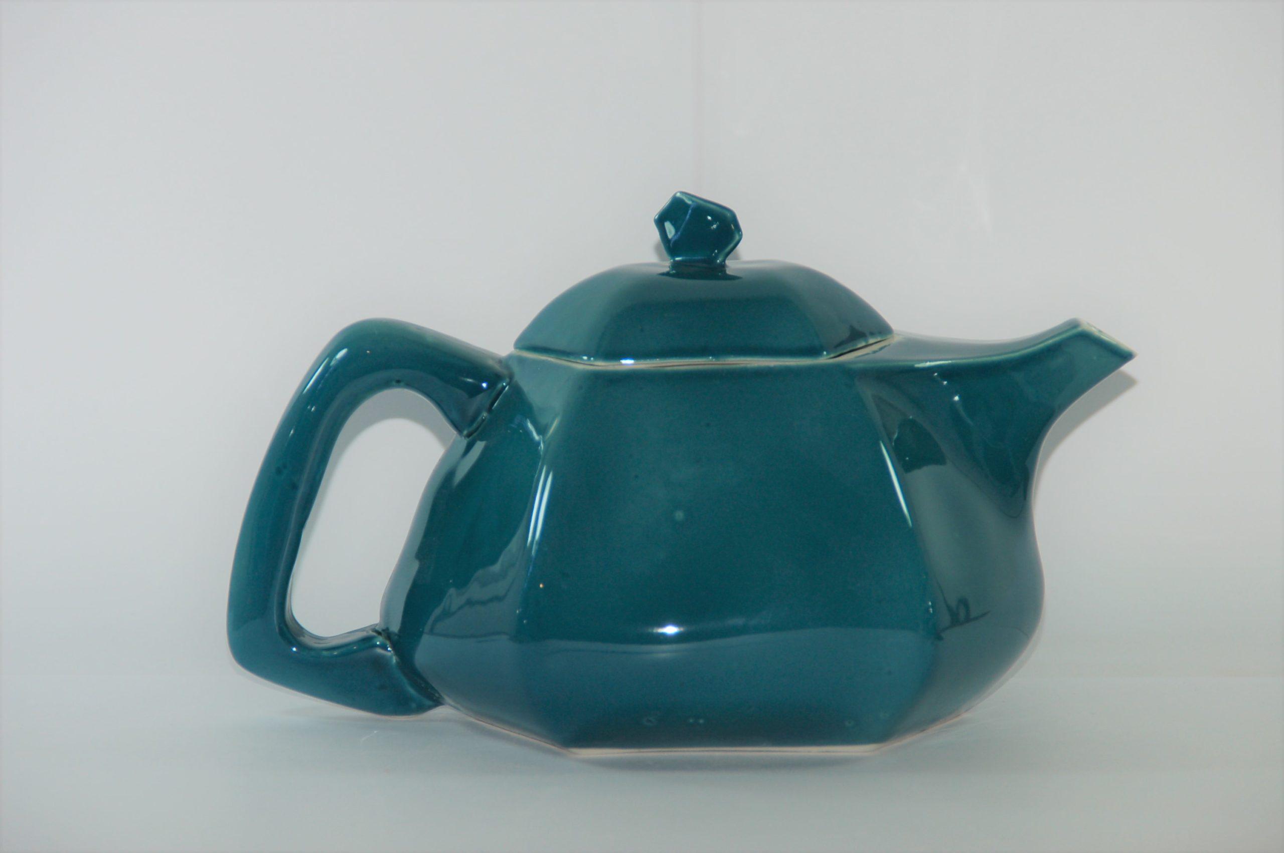 Théière en porcelaine émaillé vert de blue